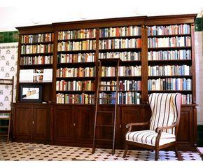 b cherwand mit t ren und leiter massivholz regalwand mit t ren und leiter wand10 massivholz. Black Bedroom Furniture Sets. Home Design Ideas