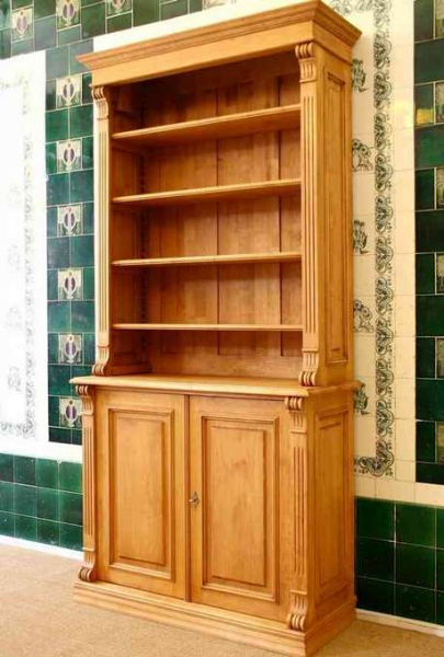 Bücherregal Mit Tür bücherregal mit türen aus massivholz bücherregal mit türen