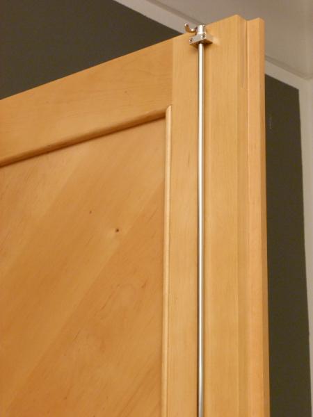 kleiderschrank massivholz 2 t ren kleiderschr nke massiv zweit riger kleiderschrank im. Black Bedroom Furniture Sets. Home Design Ideas