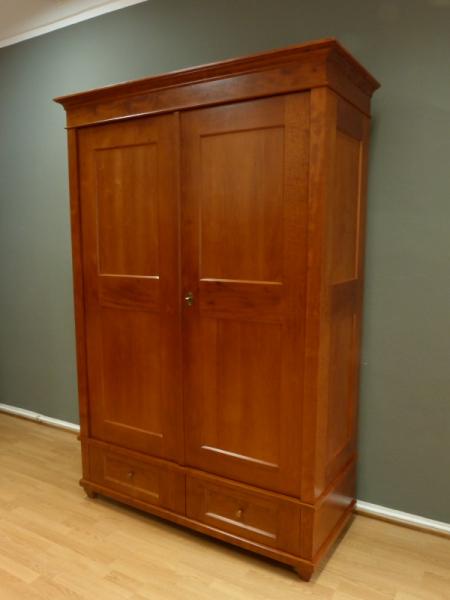 kleiderschrank massivholz 2 t ren kleiderschr nke massiv kleiderschrank07 massiv erle. Black Bedroom Furniture Sets. Home Design Ideas