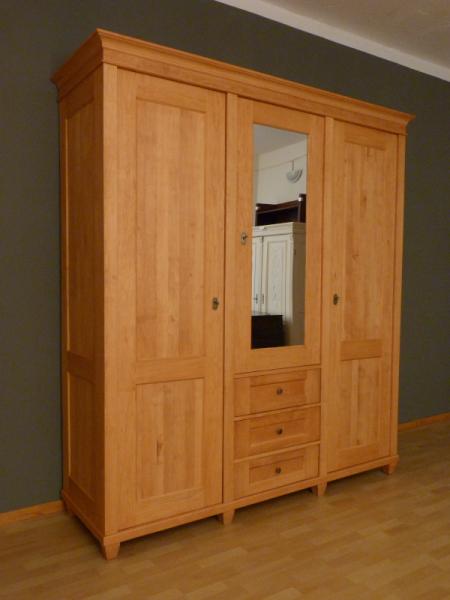 kleiderschrank massivholz 3 t ren kleiderschrank01. Black Bedroom Furniture Sets. Home Design Ideas