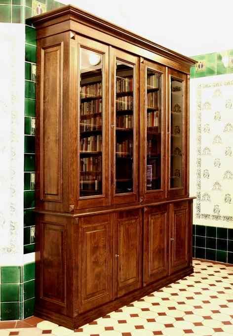 b cherschrank aus massivholz mit glast ren b cherschrank. Black Bedroom Furniture Sets. Home Design Ideas