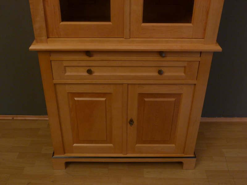 regalschrank geschlossen interessante ideen f r die gestaltung eines raumes in. Black Bedroom Furniture Sets. Home Design Ideas