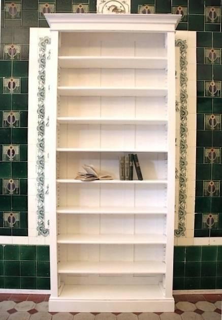 Bücherregal weiß  Bücherregal weiß lasiert massiv Holz Bücherregal weiß Erle massiv ...