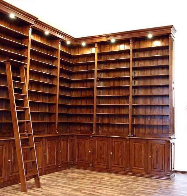 eckregal mit t ren leiter und beleuchtung massivholz. Black Bedroom Furniture Sets. Home Design Ideas