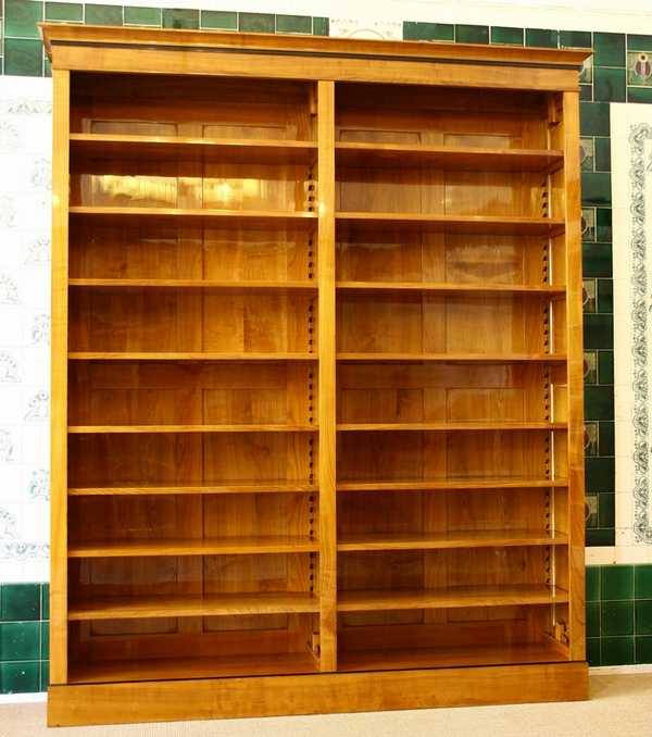 Bücherregal Kirsche bücherregal kirsche massiv holz regal kirsche biedermeierstil