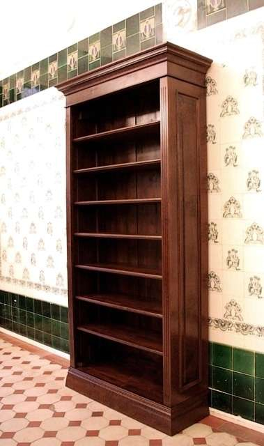 b cherregal massiv holz erle nussbaumton b cherregal. Black Bedroom Furniture Sets. Home Design Ideas